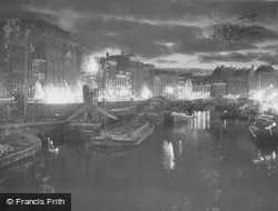 At Night c.1938, Amsterdam