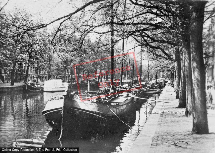 Photo of Amsterdam, Canal Scene c.1920