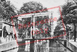 Groenburgwal Drawbridge And Zuiderkerk Tower c.1920, Amsterdam