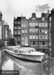 Kolkje, Oldest Part Of The City With Bergmann's Water Taxi c.1950, Amsterdam