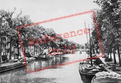Single At Heisteeg c.1920, Amsterdam