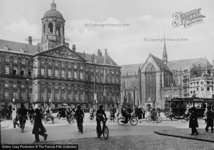Photo of Amsterdam, The Dam Square And Royal Palace c.1920