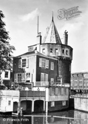 Tower Of The Weeping Women c.1950, Amsterdam