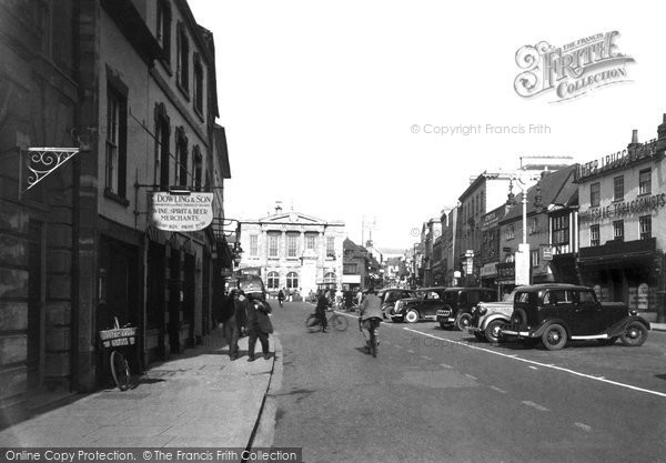 Andover, Guildhall And High Street c.1950