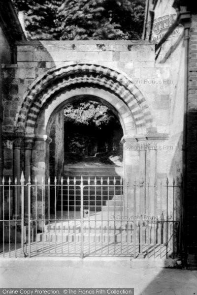 Andover, Norman Arch 1899