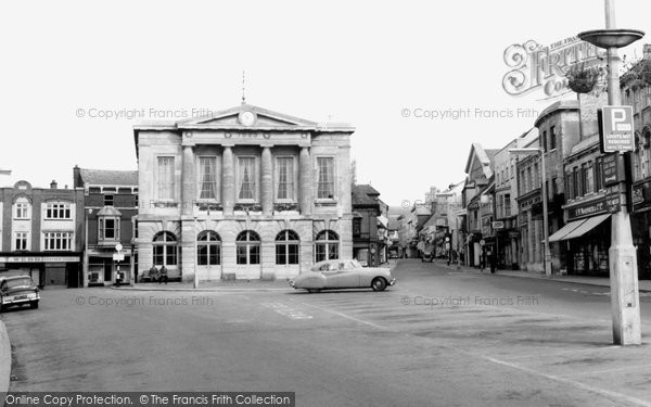 Andover, The Guildhall And High Street c.1960