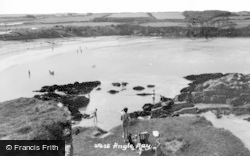 Angle, The Bay c.1955