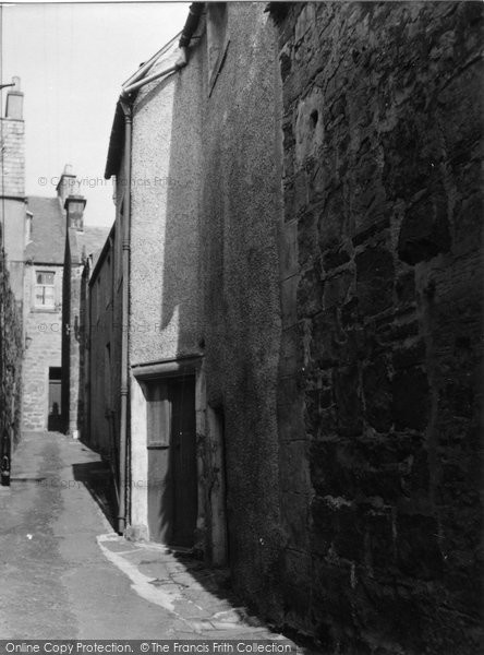 Anstruther, Easter, House In Castle Wynd 1953