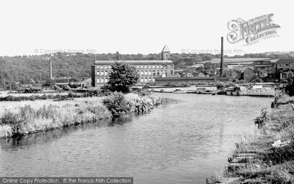 Apperley Bridge, The Leeds And Liverpool Canal c.1955