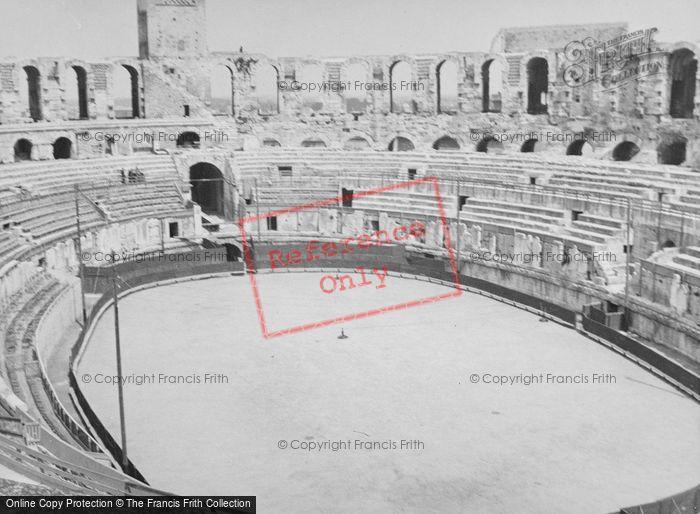 Photo of Arles, Amphitheatre c.1939