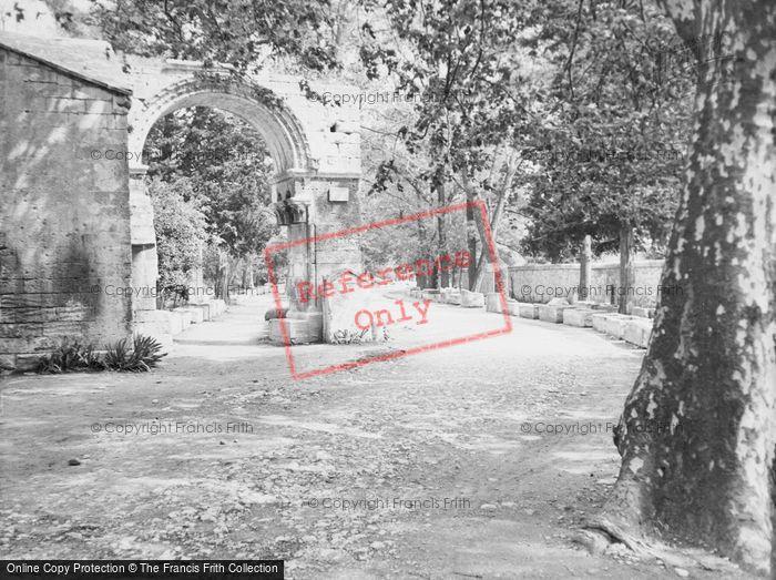 Photo of Arles, c.1939