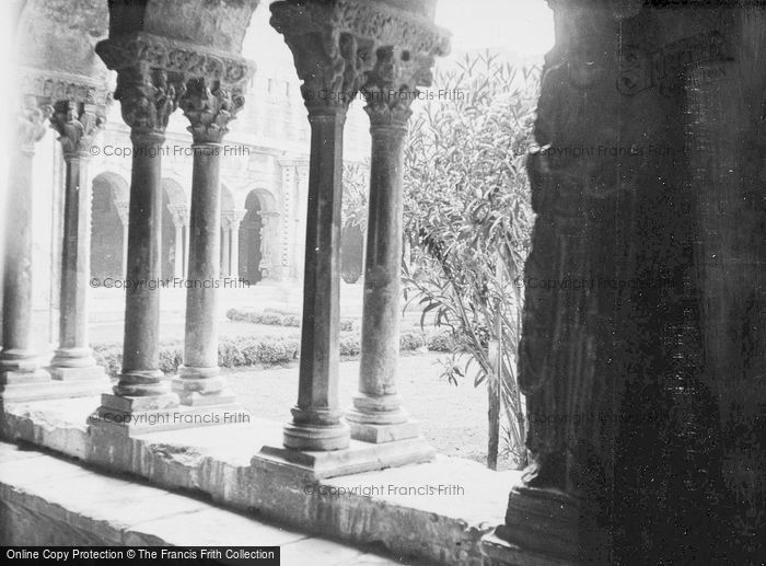 Photo of Arles, Cloister Gallery c.1939