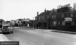 Arundel, Bridge Hotel c.1960