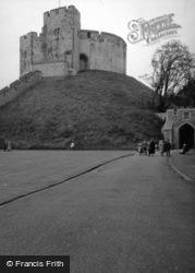 Castle 1952, Arundel