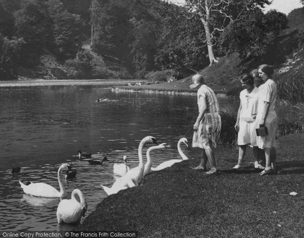 Arundel, Feeding The Swans, Swanbourne Lake 1930