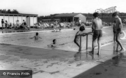 Fitzalan Swimming Pool c.1960, Arundel