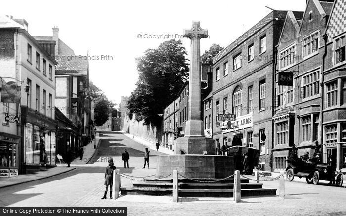 Photo of Arundel, High Street And War Memorial 1923