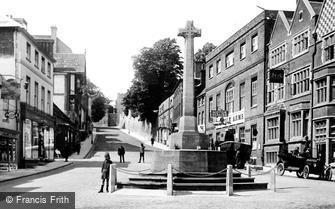 Arundel, High Street and War Memorial 1923