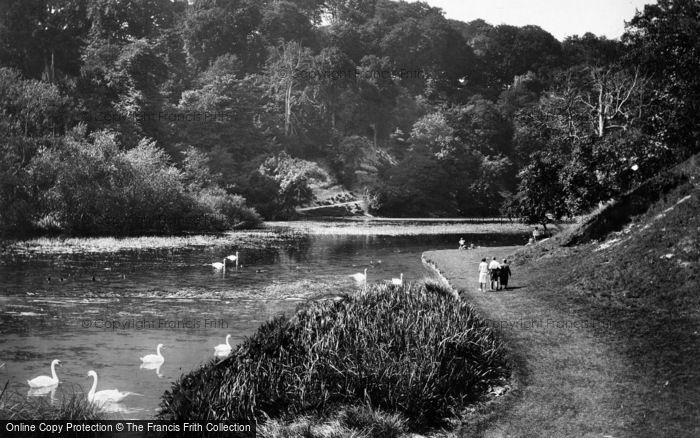 Photo of Arundel, Swanbourne Lake 1930