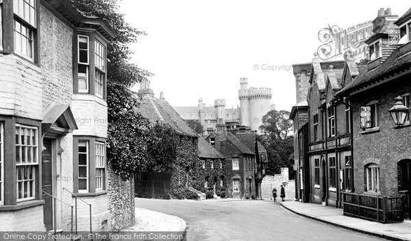 Arundel, The Castle And Town Hall 1923