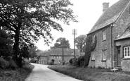 Ascott-under-Wychwood photo