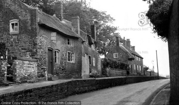 Photo of Ashby De La Zouch, Old Cottages, Hill Street c.1960