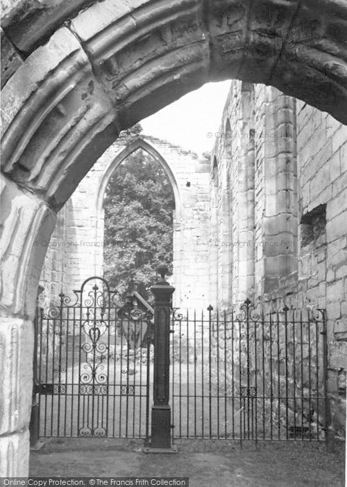 Photo of Ashby De La Zouch, The Castle Chapel c.1955