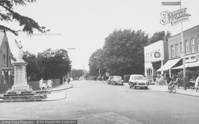 Photo of Ashford, Church Road And Memorial 1962