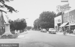 Ashford, Church Road And Memorial 1962