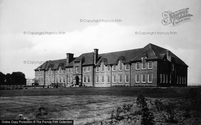 Photo of Ashford, County School For Girls 1928