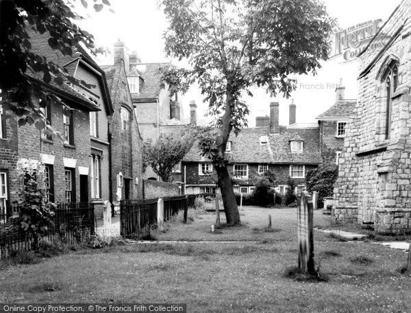 Photo of Ashford, The Churchyard c.1965