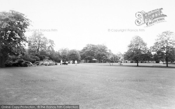 Photo of Ashford, Victoria Park c.1960