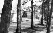 Ashtead, Oaken Cottage c.1960