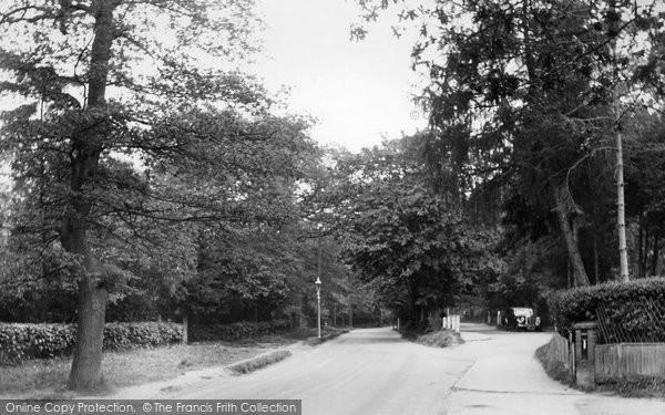 Photo of Ashtead, Woodfield Lane 1938