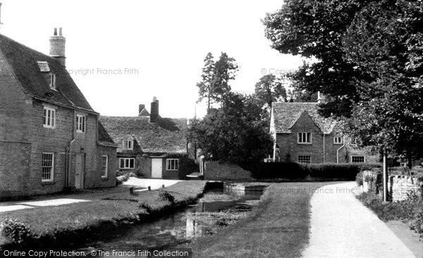Ashton Keynes,Church Walk and Mill House c1955,Wiltshire