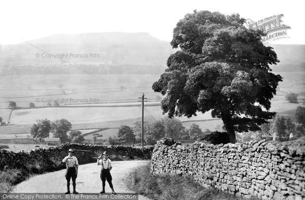 Photo of Askrigg, Addleborough 1914