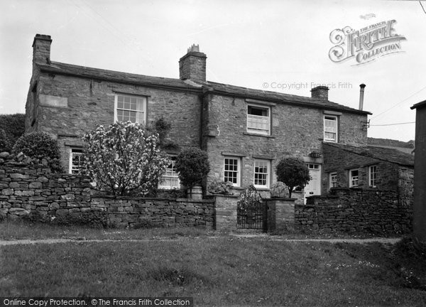 Photo of Askrigg, Colehousi, Marie Hartley's Cottage c.1950