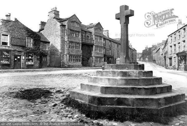 Photo of Askrigg, Cross 1914