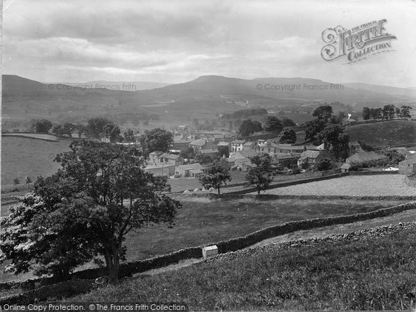 Photo of Askrigg, From North East 1924