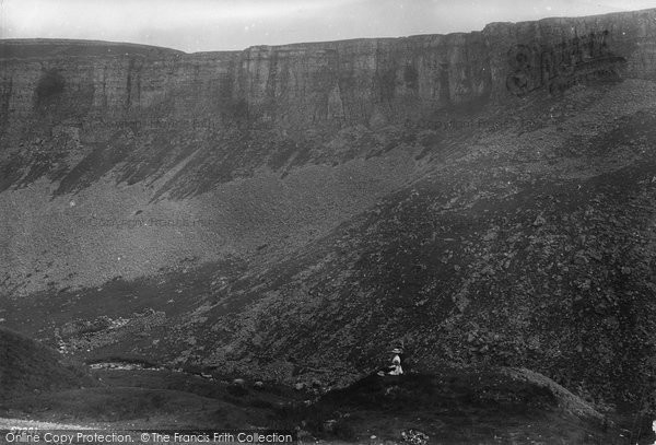 Photo of Askrigg, Muker Pass, The Rocks 1914