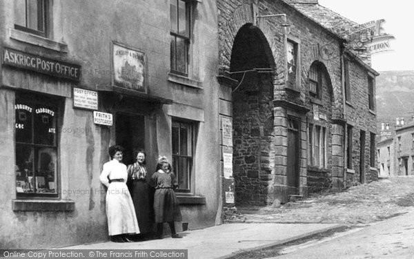 Photo of Askrigg, Women Outside The Post Office 1911