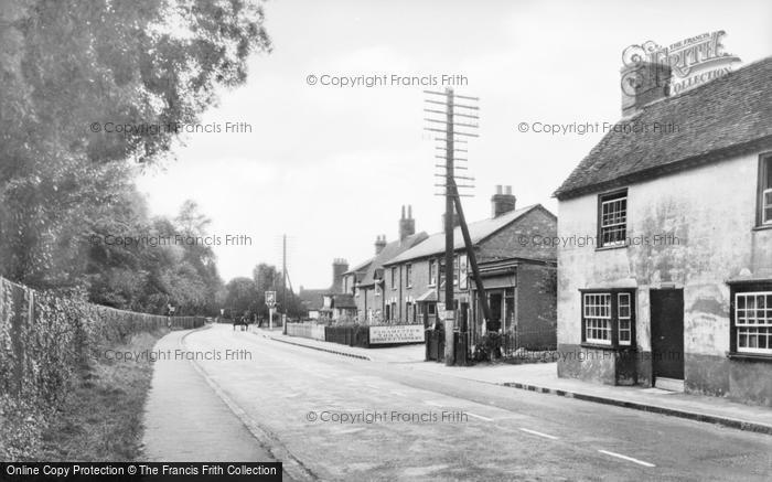 Photo of Aston Clinton, London Road c.1950