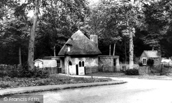 Bee Hive Cottage, Coleshill Road c.1965, Atherstone