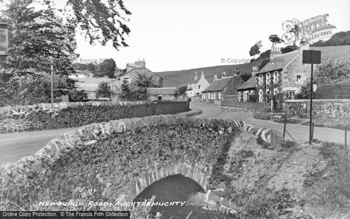 Photo of Auchtermuchty, Newburgh Road c.1930