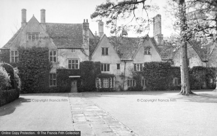 Photo of Avebury, Avebury Manor 1950