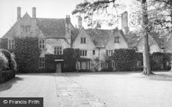 Avebury, Avebury Manor 1950