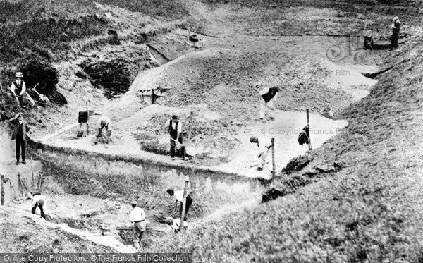 Photo of Avebury, Excavations c.1908