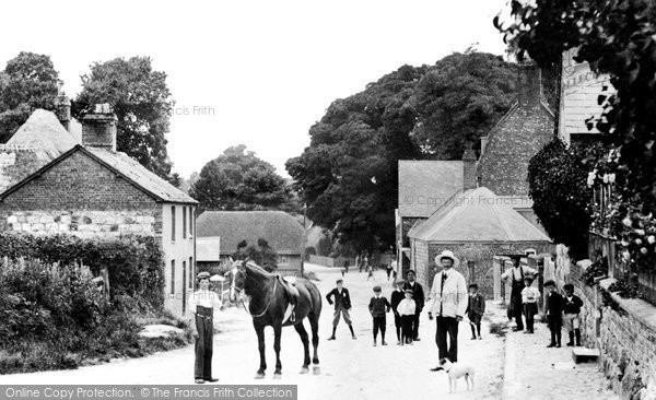 Avebury, High Street West c.1908