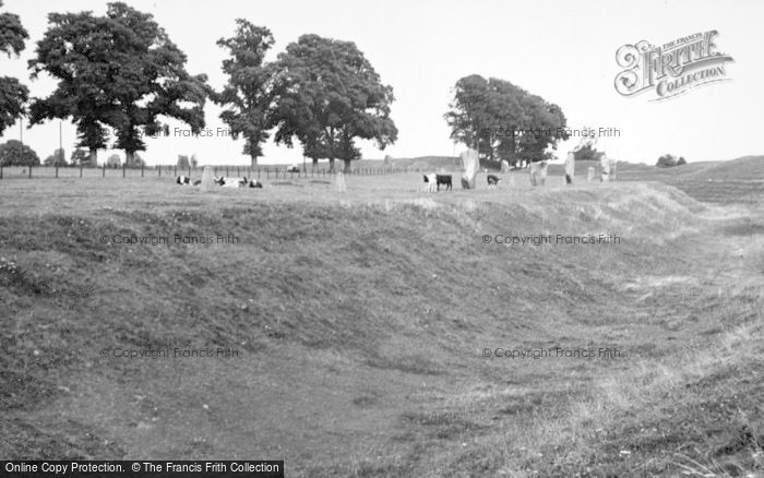 Photo of Avebury, Megalithic Circle c.1950