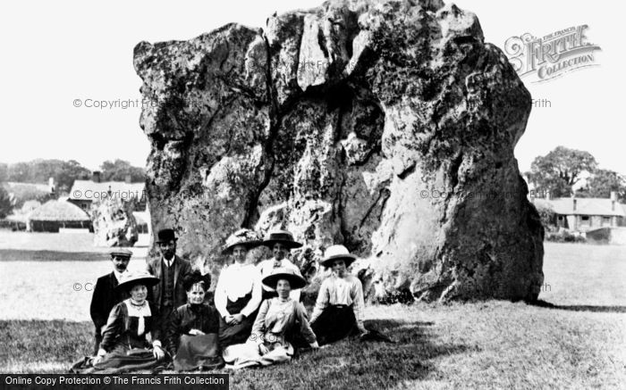 Photo of Avebury, The Devil's Chair c.1908